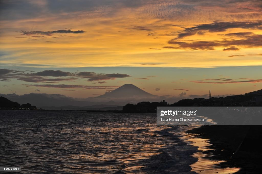 Orange-colored sunset clouds on Mt. Fuji and Sagami Bay : ストックフォト
