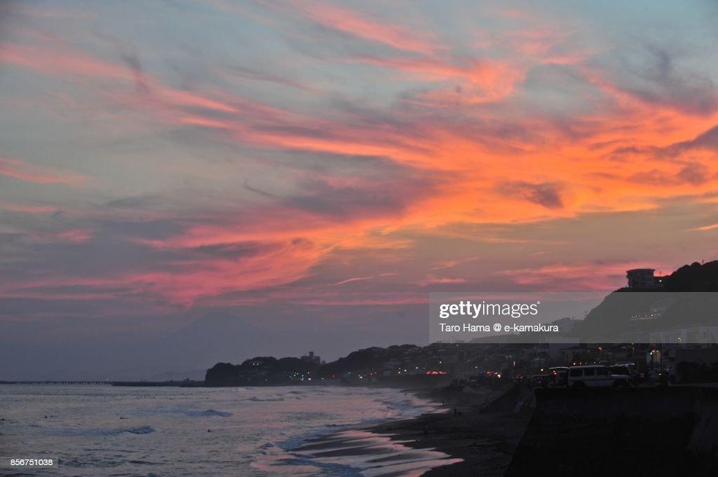 Orange-colored sunset clouds on Mt. Fuji and Sagami Bay : ストックフォト