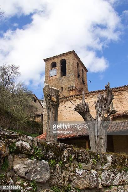 orbaneja del castillo church - orbaneja del castillo photos et images de collection