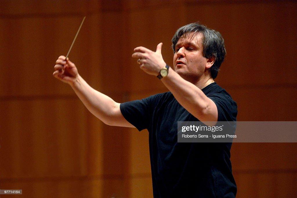 Orchestra of Accademia Nazionale of Santa Cecilia Performs In Bologna : News Photo