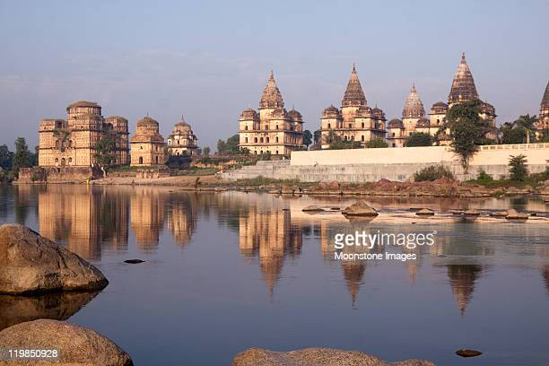 orchha temples in madhya pradesh, india - madhya pradesh stock pictures, royalty-free photos & images