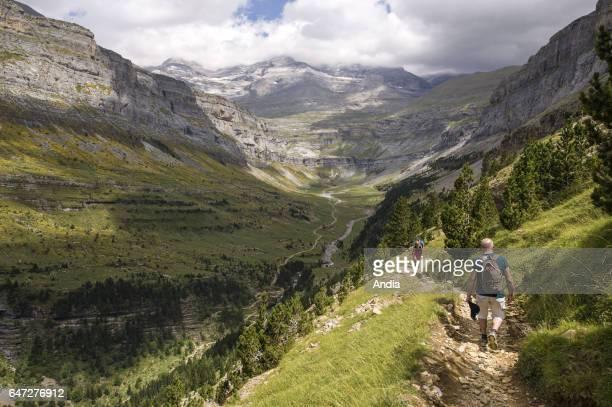 Ordesa Valley : hikers walking in the Ordesa y Monte Perdido National Park.