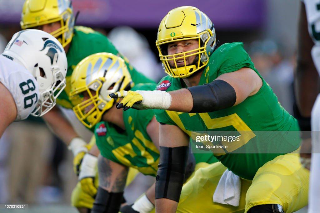 COLLEGE FOOTBALL: DEC 31 Redbox Bowl - Michigan State v Oregon : Nachrichtenfoto