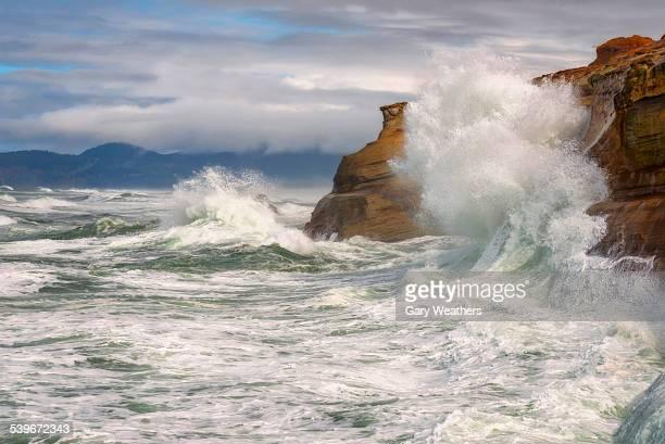 USA, Oregon, Cape Kiwanda, Cliffs and cloudy sky during storm