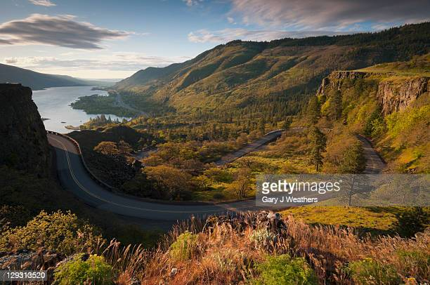 usa, oregon, columbia gorge, high angle view of historic highway 30 - columbia river gorge stock pictures, royalty-free photos & images