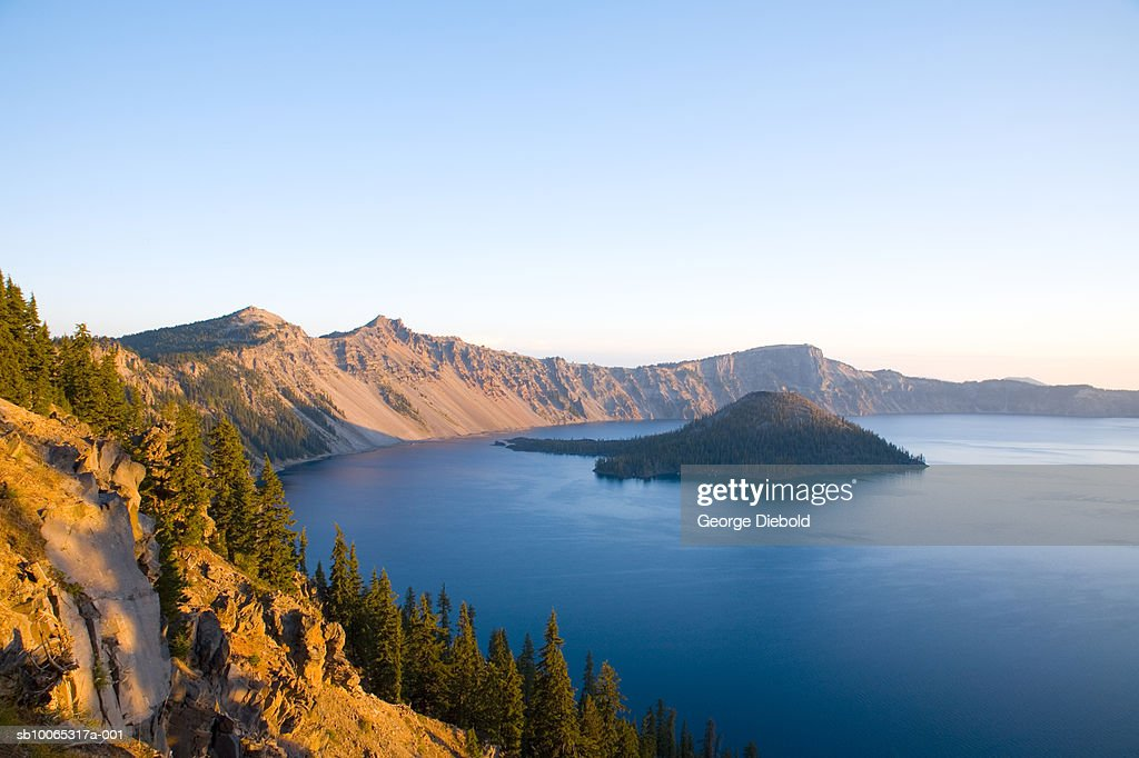 USA, Oregon, Crater Lake at sunrise, elevated view : Foto stock