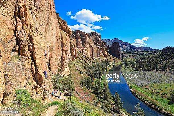 usa, oregon, deschutes county, smith rock state park at crooked river, rock climbers at smith rock - smith rock state park stock pictures, royalty-free photos & images