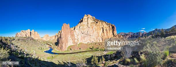 USA, Oregon, Deschutes County, Smith Rock State Park at Crooked River, Smith Rock