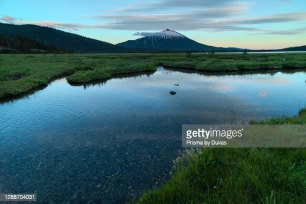 Oregon, Deschutes National Forest, Sparks Lake and Mount Bachelor.