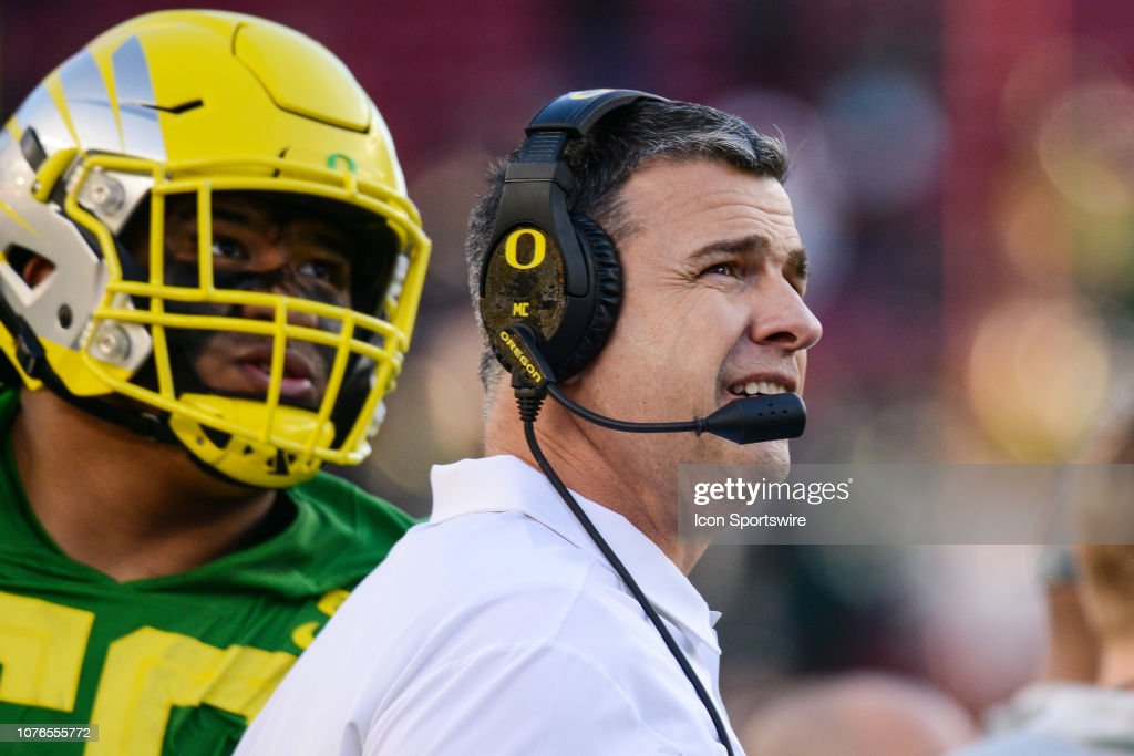 COLLEGE FOOTBALL: DEC 31 Redbox Bowl - Michigan State v Oregon : News Photo