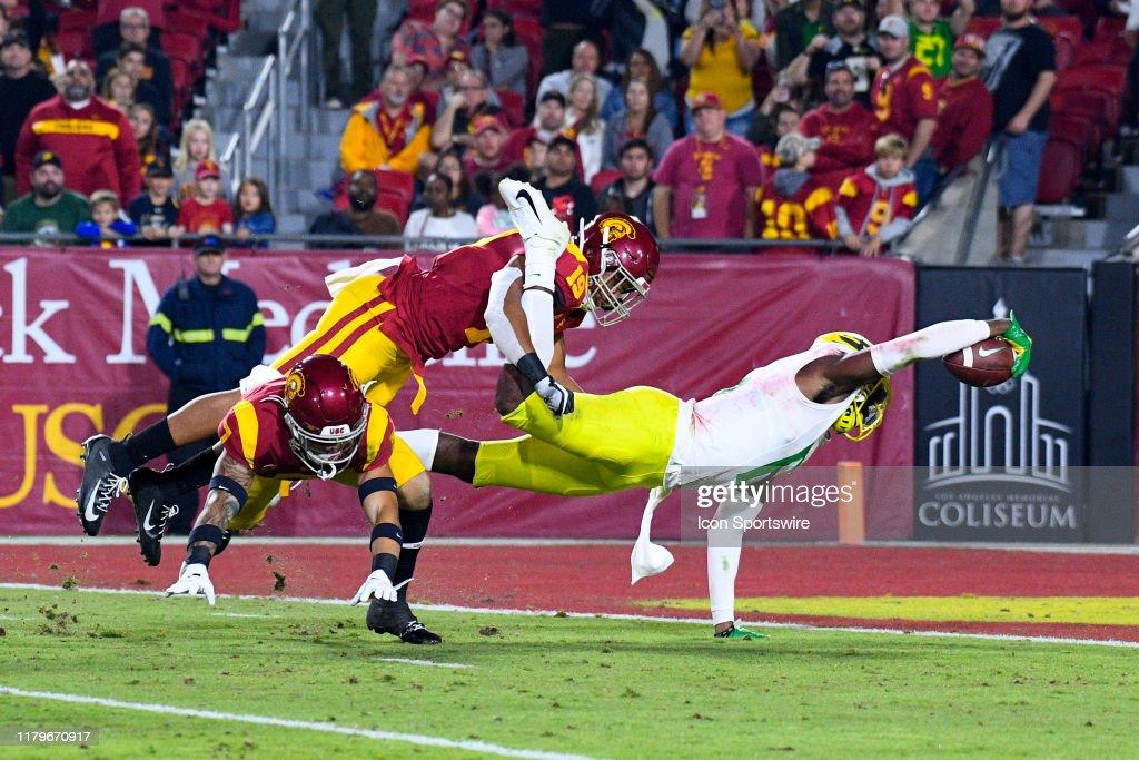 COLLEGE FOOTBALL: NOV 02 Oregon at USC : Photo d'actualité