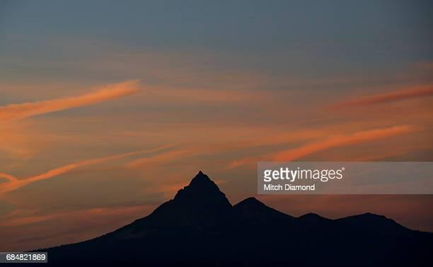 oregon mountain landscape - medford oregon stock photos and pictures