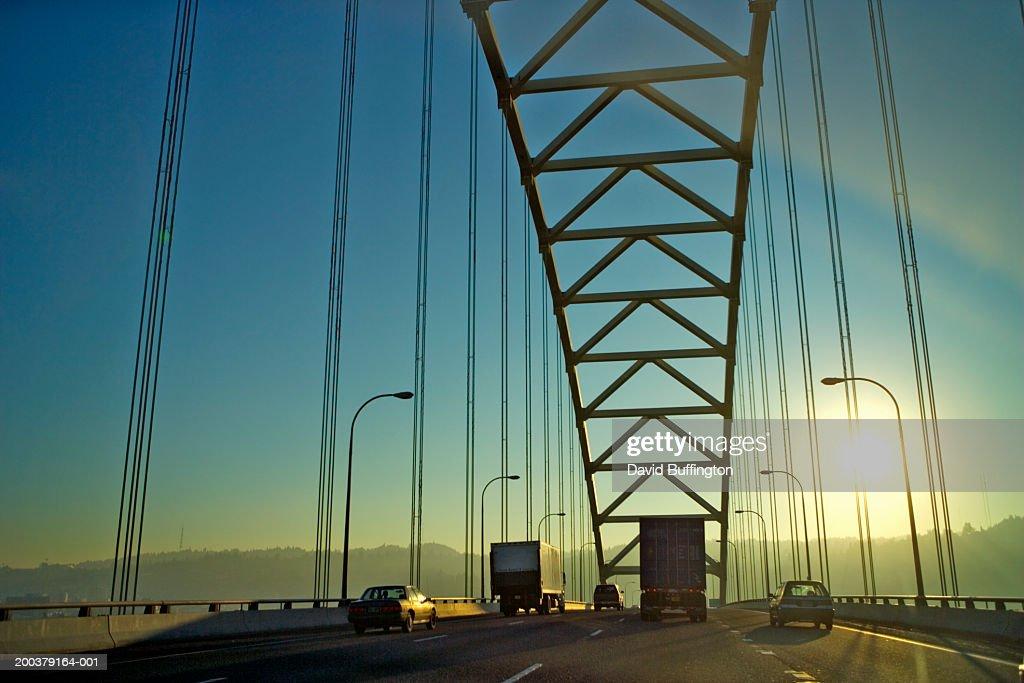 Usa Oregon Portland Traffic Crossing Fremont Bridge Stock Photo