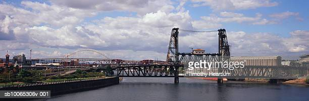 usa, oregon, portland, view from burnside bridge and other bridges across willamette river - burnside bridge portland stock photos and pictures