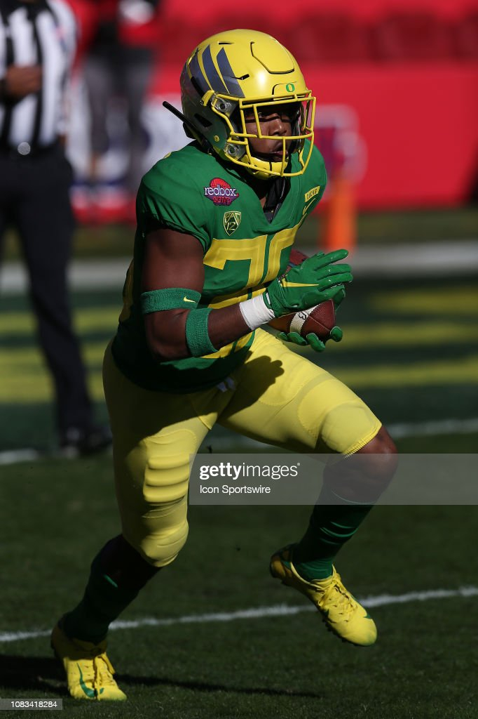 COLLEGE FOOTBALL: DEC 31 Redbox Bowl - Michigan State v Oregon : News Photo