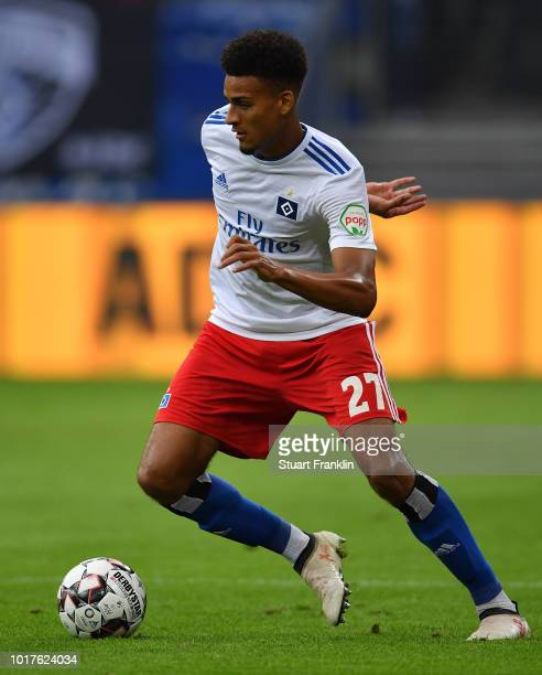 Orel Mangala of Hamburg in action during the friendly match between Hamburger SV and Bayern Muenchen at Volksparkstadion on August 15 2018 in Hamburg...