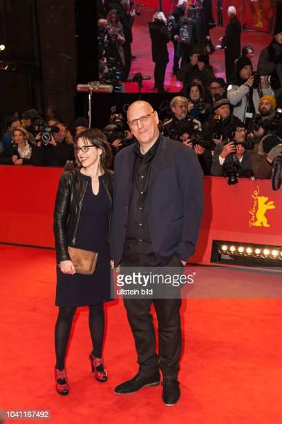 """Oren Moverman und seine Ehefrau Yael auf der Berlinale für den Film """"The Dinner"""" am"""