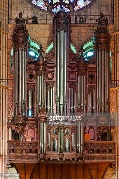 organ in north transept of notre-dame de reims - reims cathedral stock pictures, royalty-free photos & images