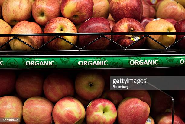 Organic apples are displayed for sale at a Kroger Co store in Peoria Illinois US on Tuesday June 16 2015 Kroger Co is expected to release quarterly...