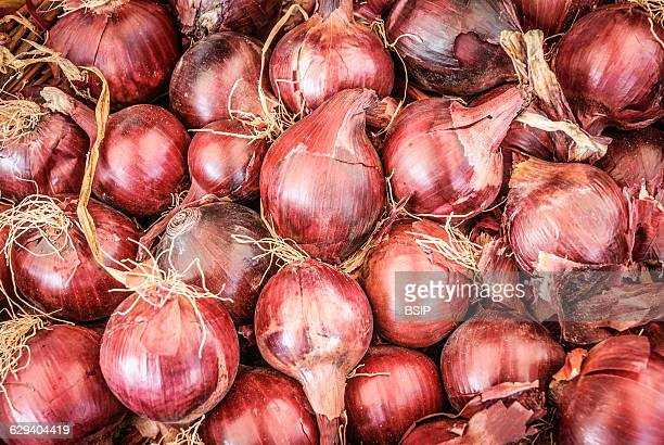 Organic red onions.