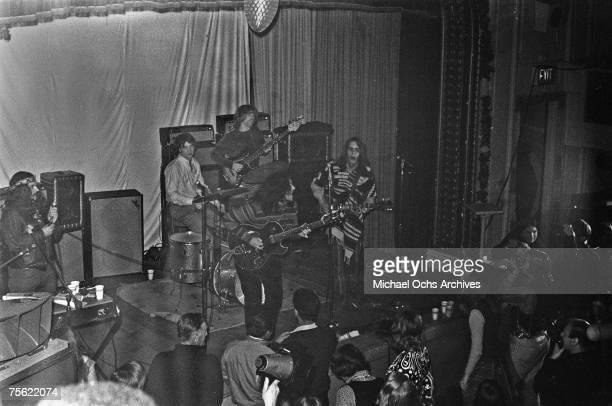 Organist/vocalist Ron Pigpen McKernan drummer Bill Kreutzman bassist Phil Lesh lead guitarist/vocalist Jerry Garcia and rhythm guitarist/vocals Bob...
