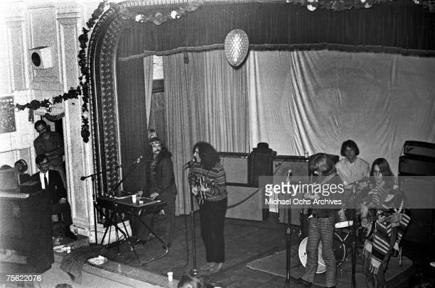 Organist/vocalist Ron Pigpen McKernan lead guitarist/vocalist Jerry Garcia bassist Phil Lesh drummer Bill Kreutzman and rhythm guitarist/vocals Bob...