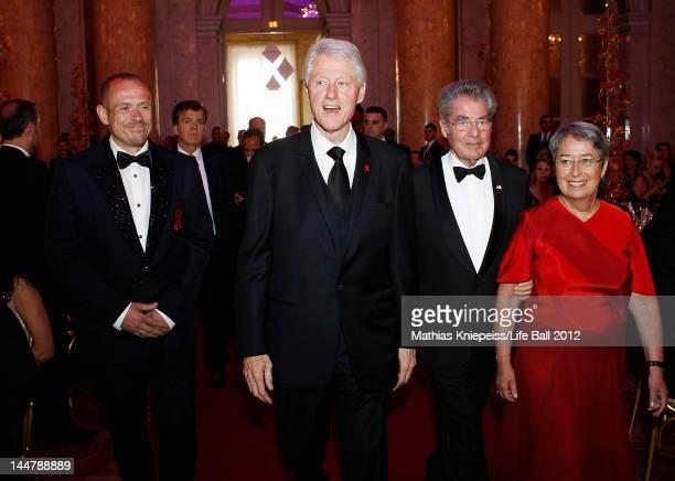 Organizer Gery Keszler Former US President Bill Clinton Austrian President Heinz Fischer and his wife Margit enter the Life Ball 2012 AIDS charity...