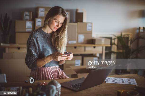 organizing work in delivery business - entrepreneur stock pictures, royalty-free photos & images