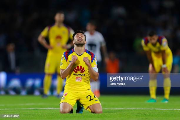 Oribe Peralta of America celebrates during the quarter finals first leg match between Pumas UNAM and America as part of the Torneo Clausura 2018 Liga...