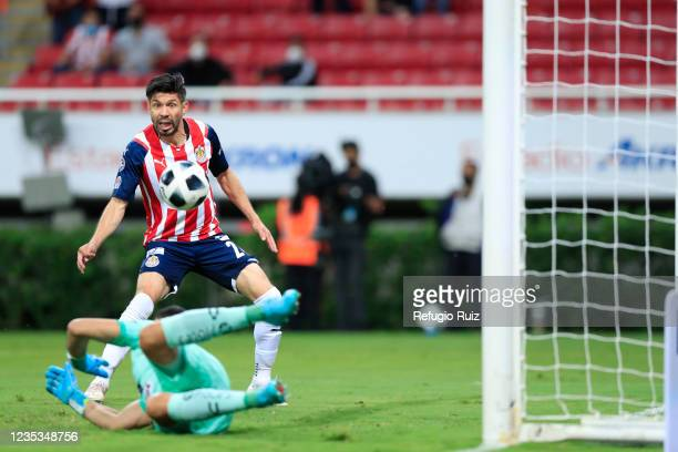 Oribe Peralta of Chivas prepares shoots on target during the 9th round match between Chivas and Pachuca as part of the Torneo Grita Mexico A21 Liga...