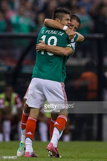 Oribe Peralta of Mexico celebrates after scoring with teammates during a match between Mexico and Panama as part of the CONCACAF Qualifyers at Azteca...