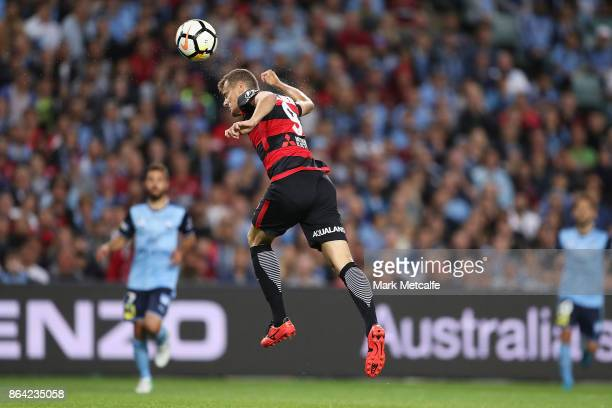 Oriel Riera of the Wanderers scores a goal during the round three ALeague match between Sydney FC and the Western Sydney Wanderers at Allianz Stadium...