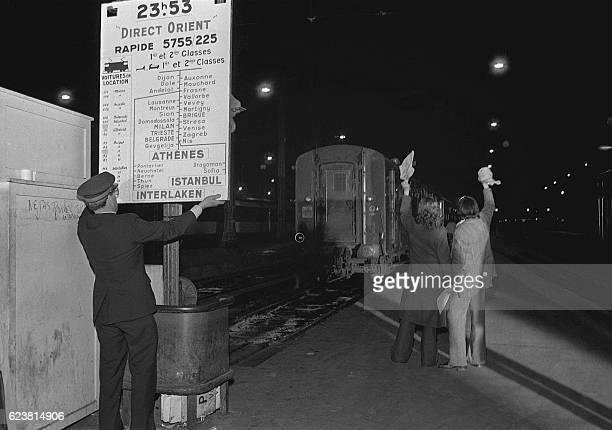 L'Orient Express alors rebaptisé Direct Orient part pour son dernier voyage le 20 mai 1977 à la gare de Lyon à Paris Créé en 1883 l'Orient Express...