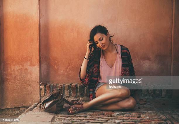 oriental la mode - femme marocaine photos et images de collection