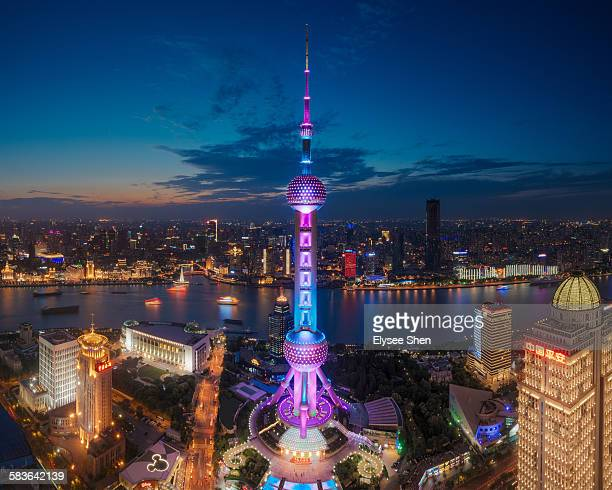 oriental pearl tower, shanghai. - oriental pearl tower shanghai stock pictures, royalty-free photos & images