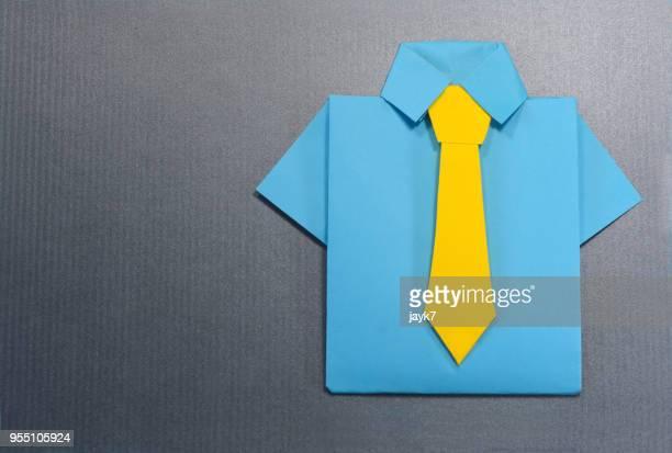 origami shirt and tie - colletto foto e immagini stock
