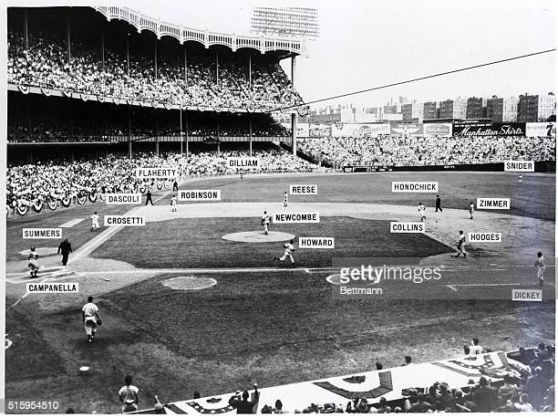 9/28/1955New York NY This is a general view of Yankee Stadium as Yankee rookie outfielder Elston Howard hit a home run in the second inning of the...