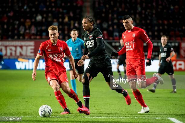 Oriol Busquets of FC Twente Calvin Stengs of AZ Haris Vuckic of FC Twente during the Dutch Eredivisie match between FC Twente Enschede and AZ Alkmaar...
