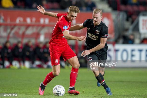 Oriol Busquets of FC Twente Dani de Wit of AZ during the Dutch Eredivisie match between FC Twente Enschede and AZ Alkmaar at De Grolsch Veste Stadium...