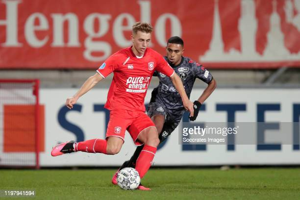 Oriol Busquets of FC Twente Deroy Duarte of Sparta Rotterdam during the Dutch Eredivisie match between Fc Twente v Sparta at the De Grolsch Veste on...