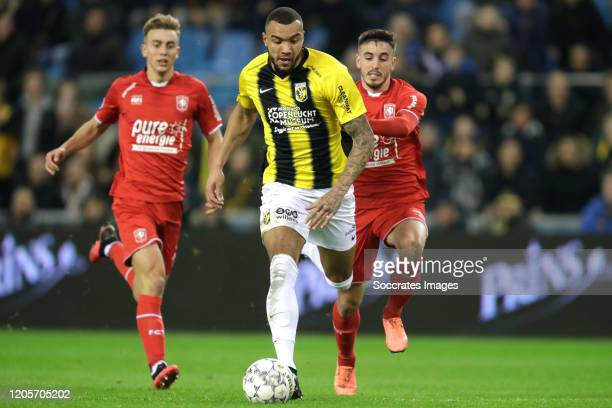Oriol Busquets of FC Twente Jay Roy Grot of Vitesse Julio Pleguezuelo of FC Twente during the Dutch Eredivisie match between Vitesse v Fc Twente at...
