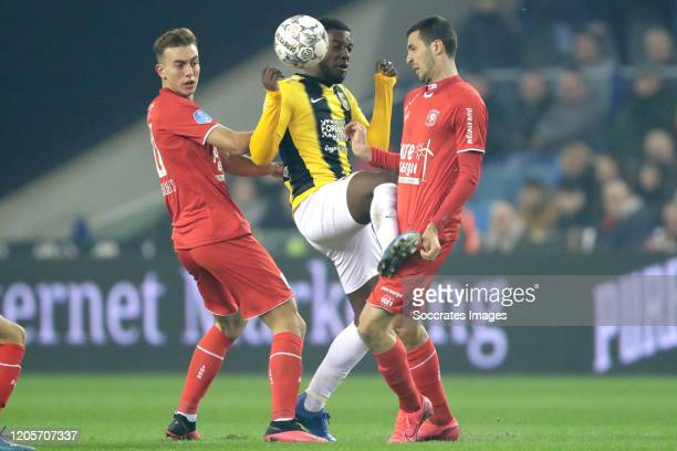 Oriol Busquets of FC Twente Riechedly Bazoer of Vitesse Giorgi Aburjania of FC Twente during the Dutch Eredivisie match between Vitesse v Fc Twente...