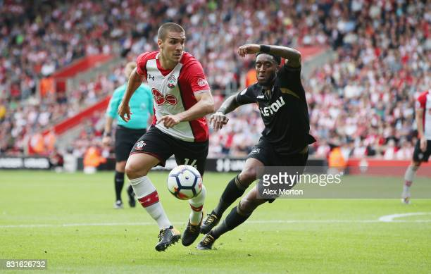 Oriol Romeu of Southampton and Leroy Fer of Swansea City during the Premier League match between Southampton and Swansea City at St Mary's Stadium on...