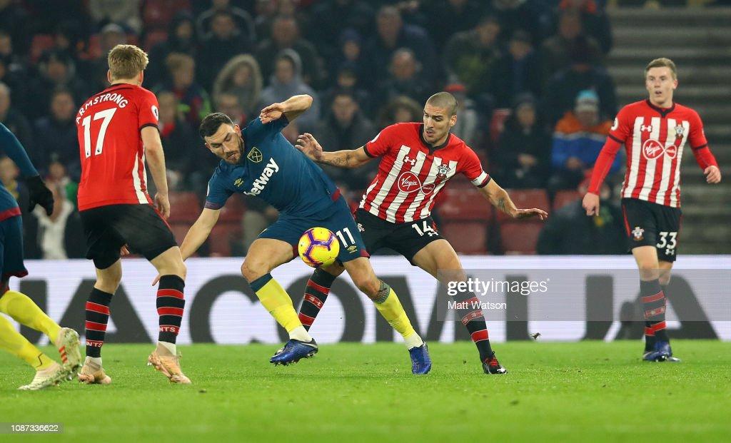 Southampton FC v West Ham United - Premier League : News Photo