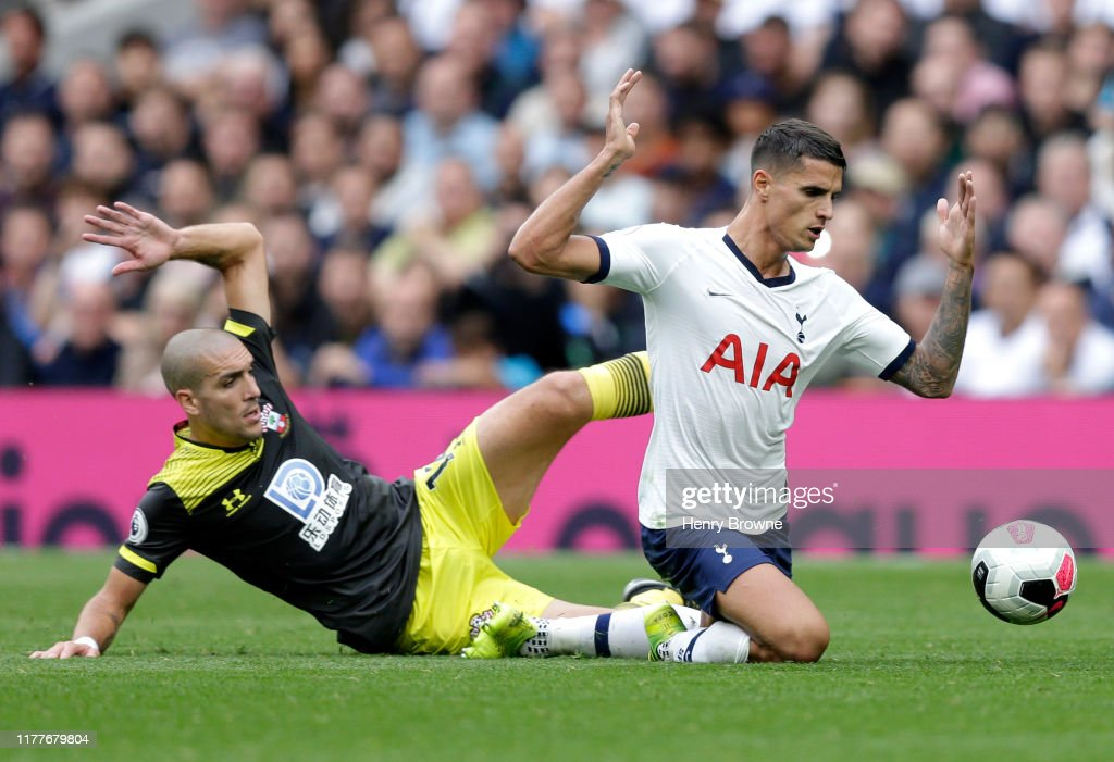 Tottenham Hotspur v Southampton FC - Premier League : News Photo