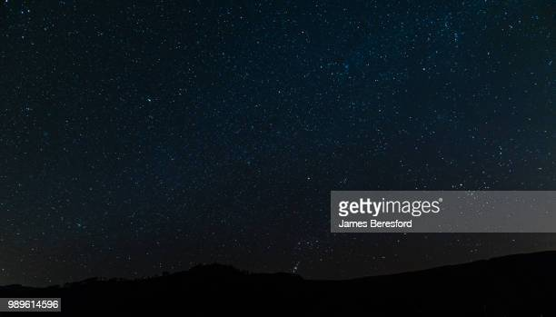 orions belt over thirlmere - night stock pictures, royalty-free photos & images