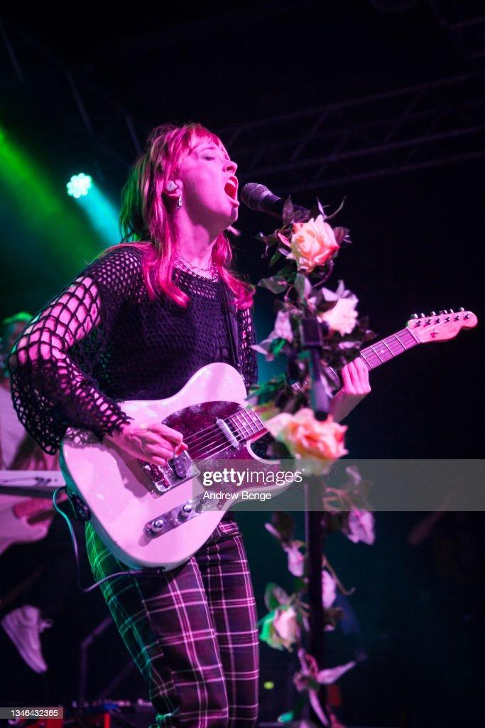 Orla Gartland Performs At Leeds Student Union Stylus, Leeds : News Photo