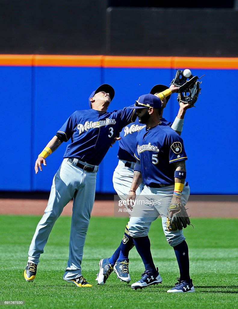 Orlando Arcia #3 of the Milwaukee Brewers makes a catch against the New York Mets during their game at Citi Field on June 1, 2017 in New York City.