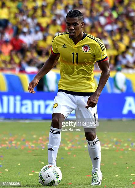 Orlando Berrio of Colombia controls the ball during a match between Colombia and Chile as part of FIFA 2018 World Cup Qualifiers at Metropolitano...