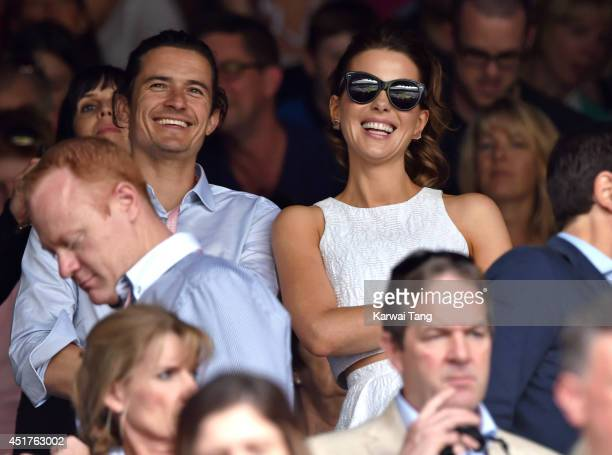 Orlando Bloom and Kate Beckinsale attend the mens singles final between Novak Djokovic and Roger Federer on centre court during day thirteen of the...